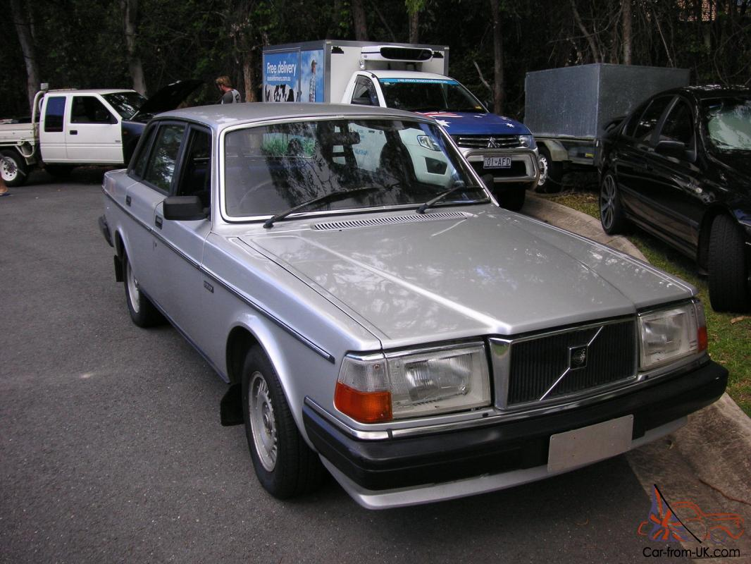 1985 Volvo 240 Gl In Little Mountain Qld