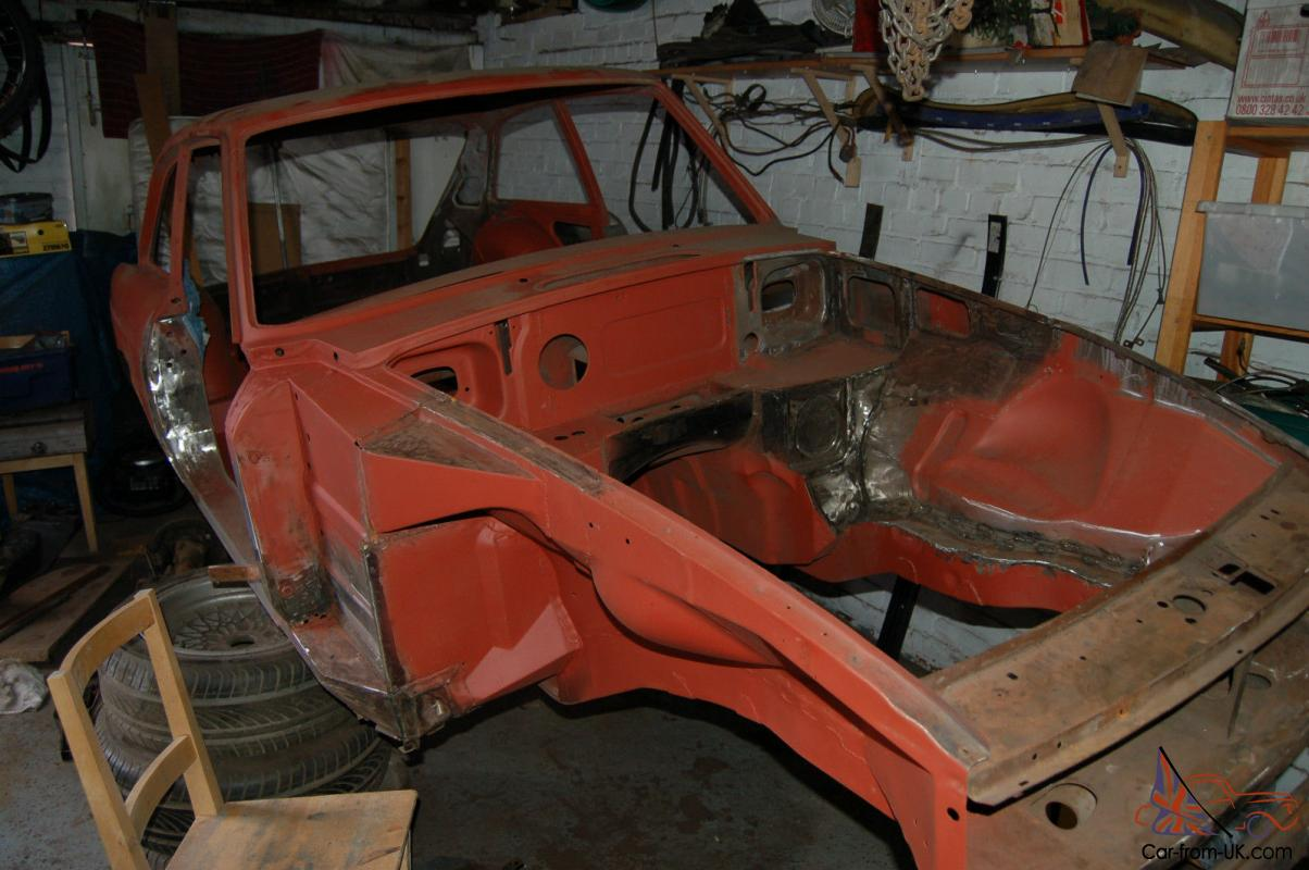 MGB GT sebring project restoration, race rally track