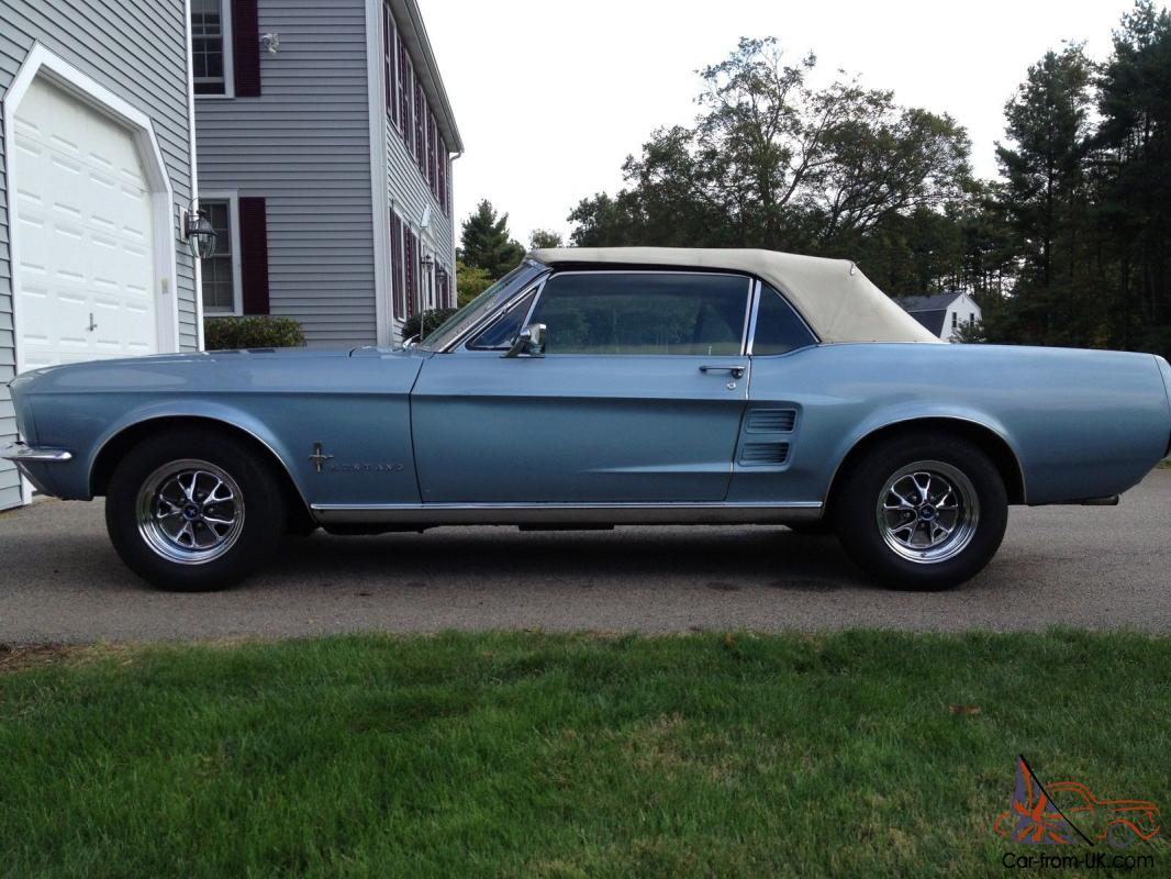 1967 Ford Mustang Convertible - Brittany Blue