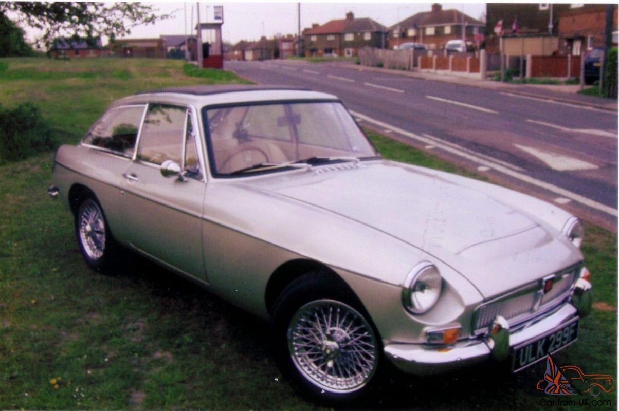 MGC GT, 1968, Champagne Gold