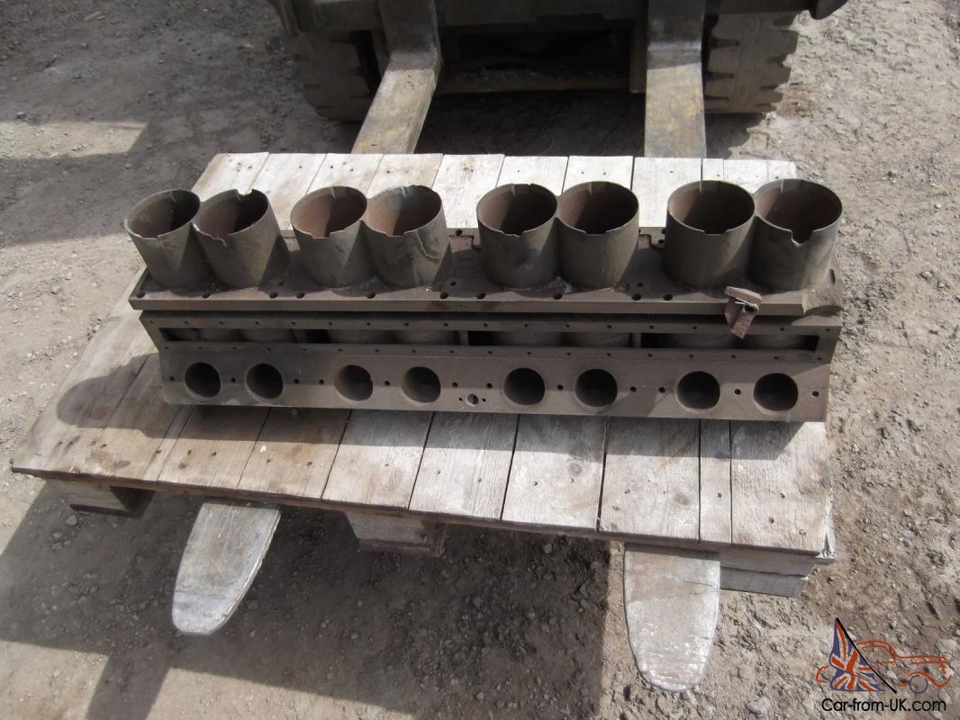 1934 BUGATTI TYPE 57 8 CYLINDER ENGINE BLOCK