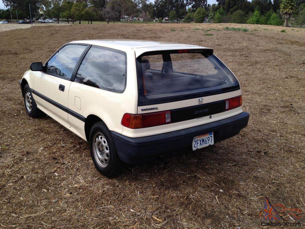 1988 Honda Civic hatchback standard 4 spd LOW MILES!! 19,500